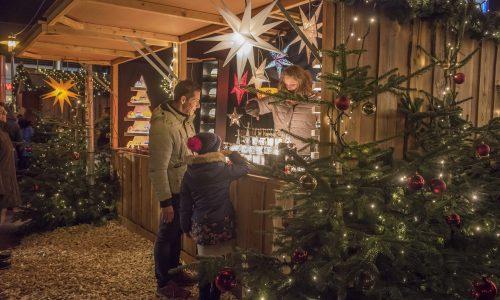 Hütte auf dem Lichtermarkt Elmshorn © Burkhard Völz